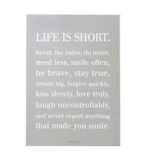 Dekoracja ścienna Life is short