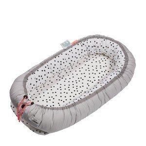 Poduszka dla niemowlęcia gniazdko Done by deer