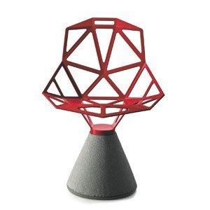 Krzesło Chair_One na betonowej podstawie