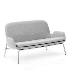Sofa Era na stalowych chromowanych nogach