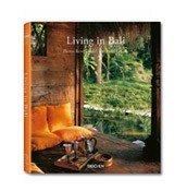 Książka Living in Bali