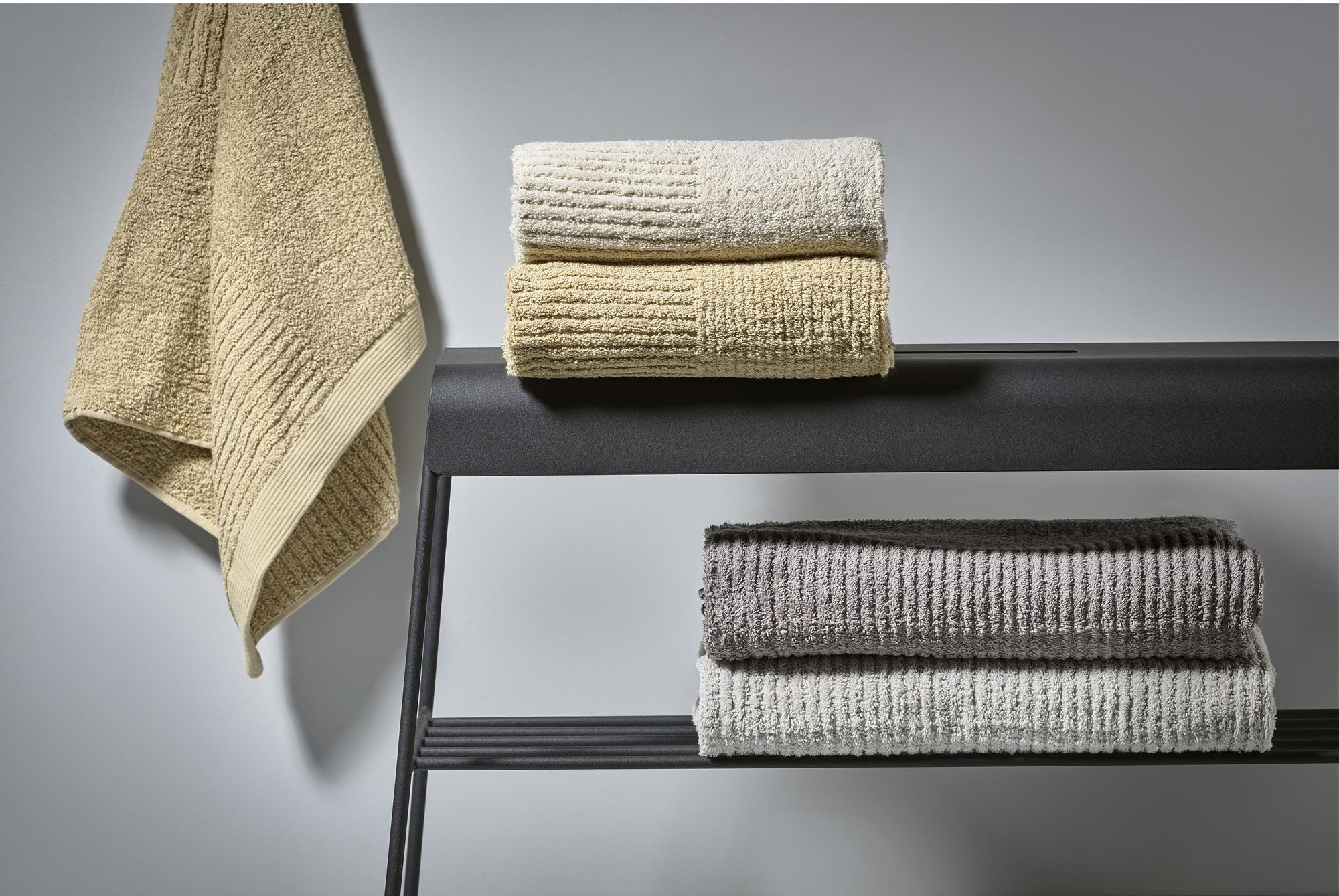 Ręcznik Classic 70 x 140 cm jasnoszary - Zone Denmark